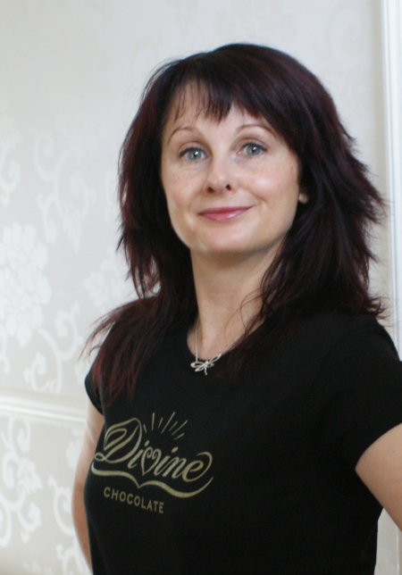 Marian Keyes loves Divine